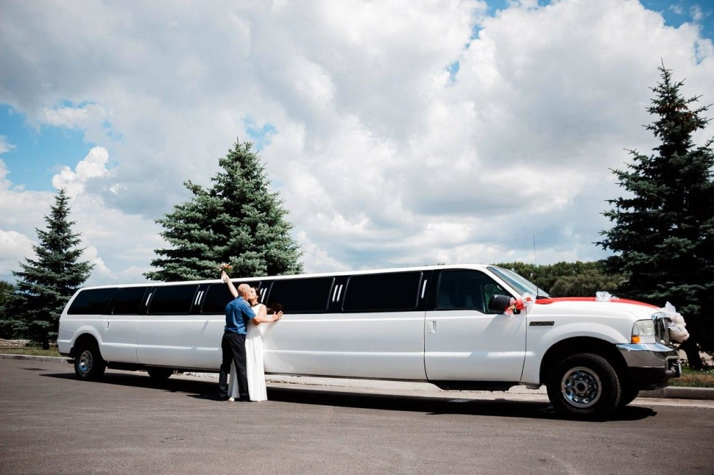 заказать лимузин на свадьбу в Гомеле